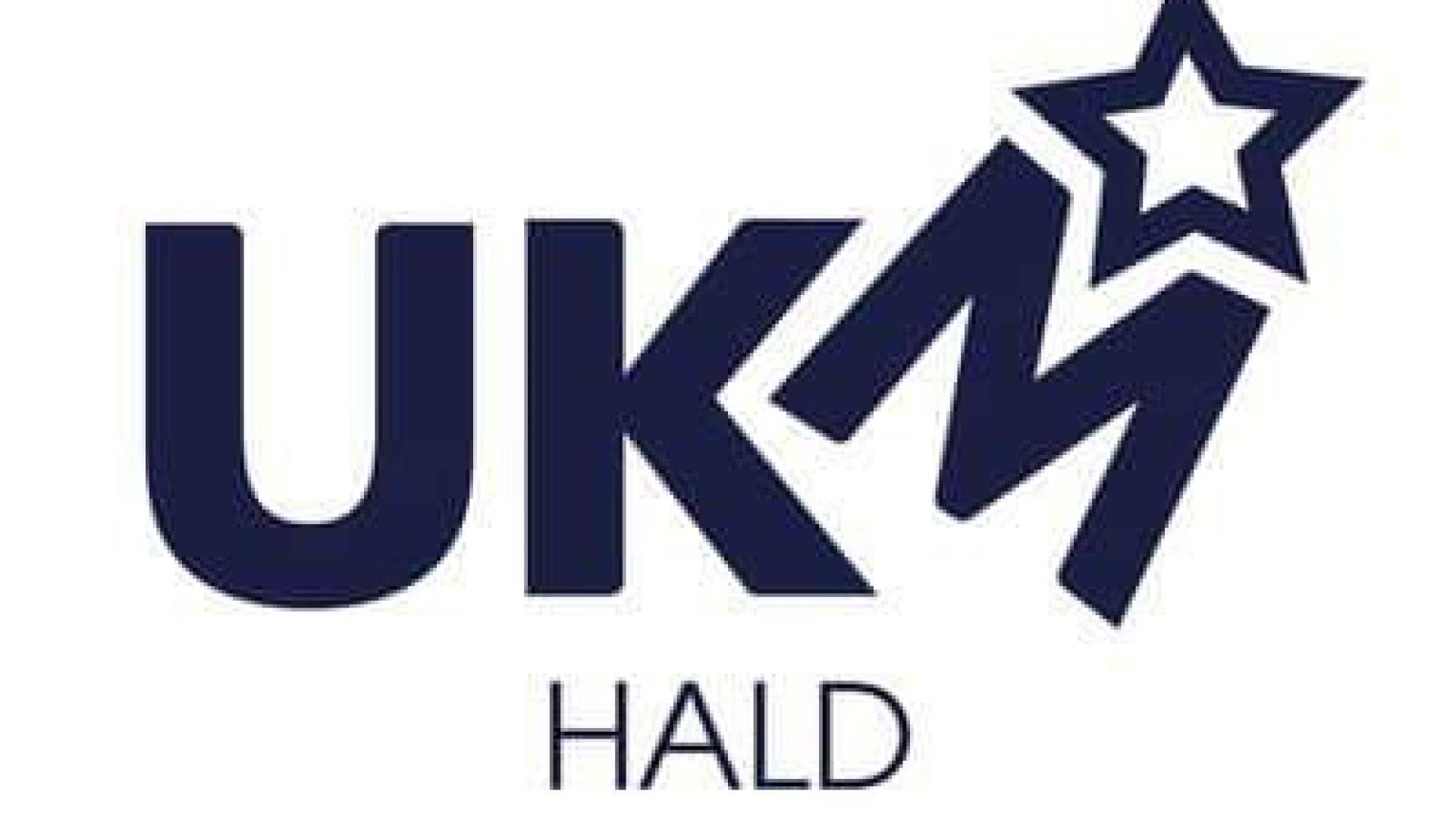 Blå logo med hvit bakgrunn. M'en står tippet noen grader mot høyre, med en stjerne skytende ut av bokstaven som en sirkuskannon.
