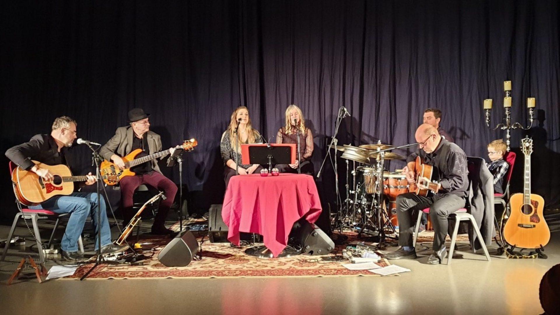 Bandet Det runde bord på scena