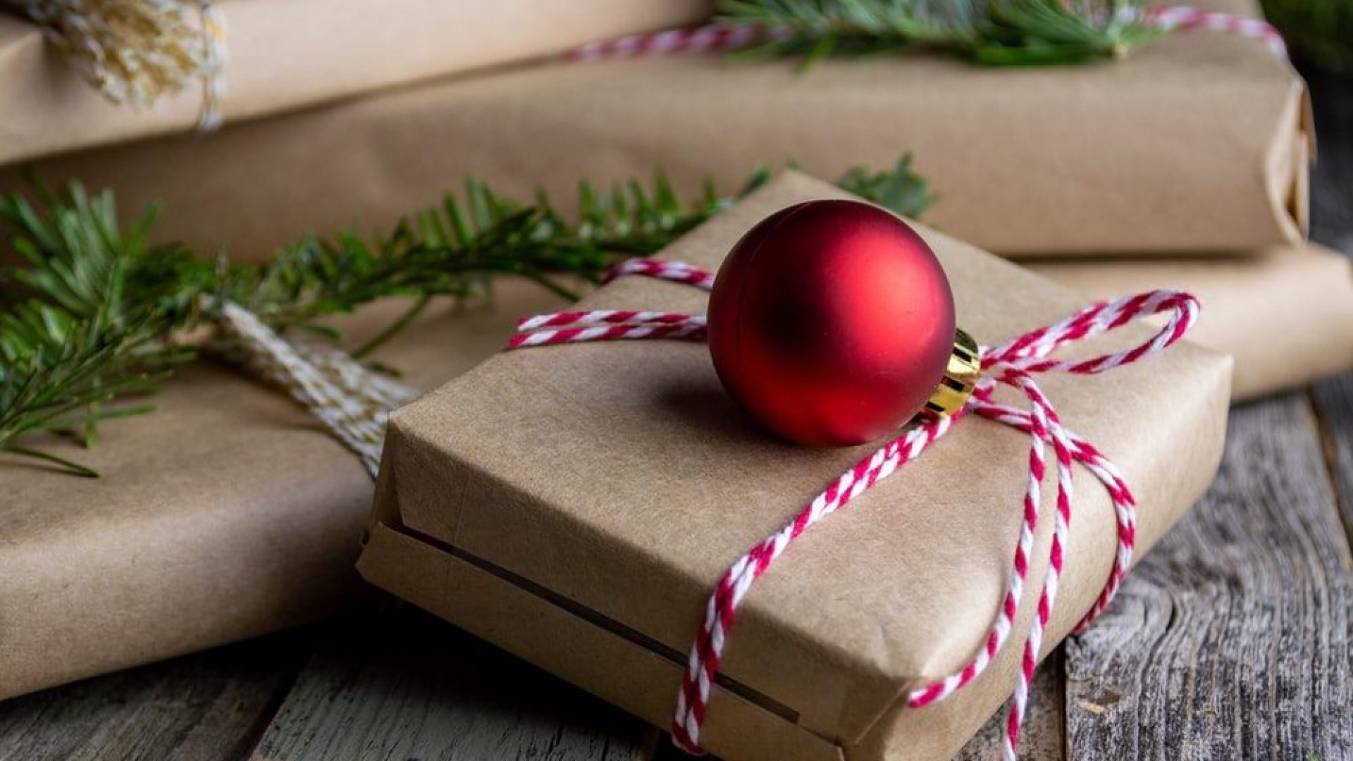 Fint innpakket julegave
