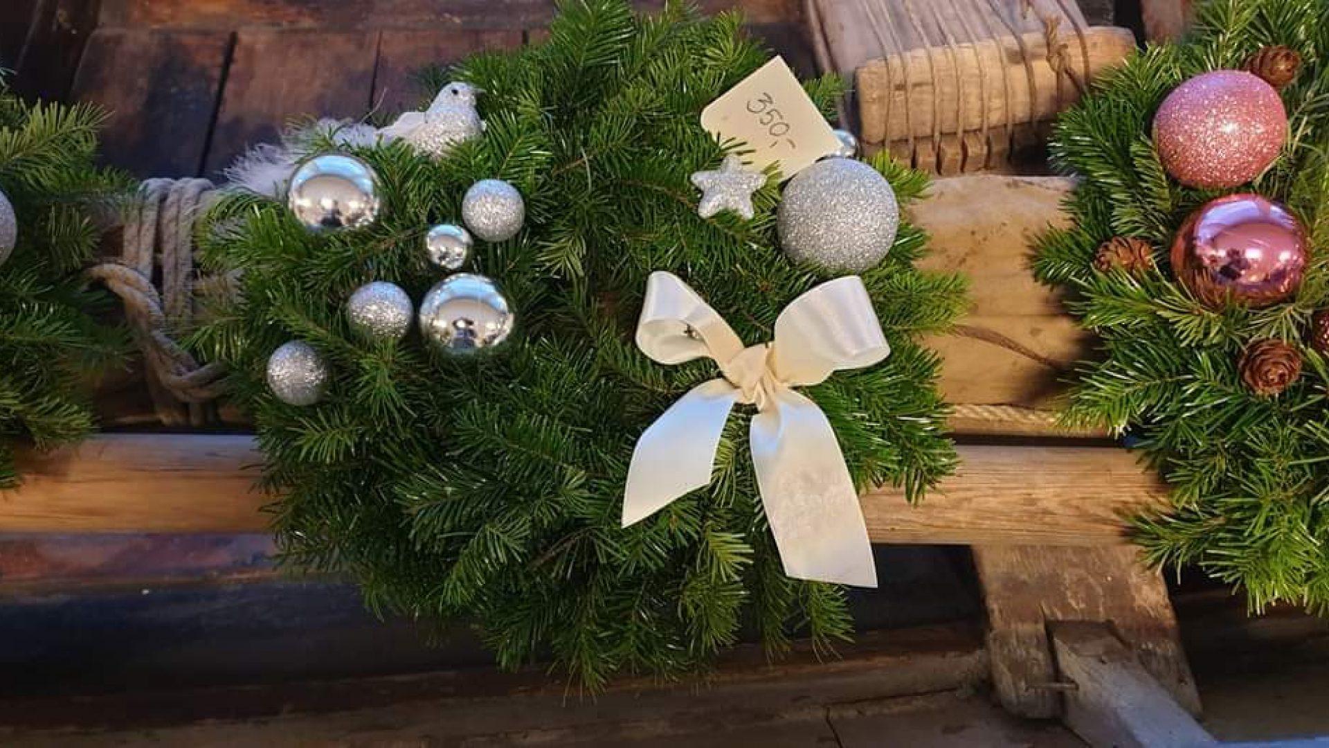 Juledekor med grønn granbar